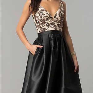 Dresses & Skirts - This prom dress